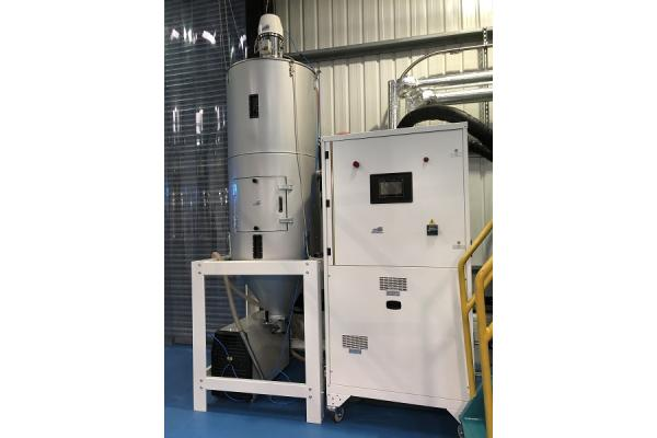 DB/N360 Dehumidifying Dryer with 800-litre hopper and single phase FSB loader